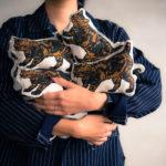 Small Gift  CAT Cushion  ネコクッションが付いてきます